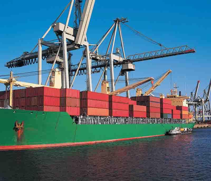 international-moves-cargo-ship